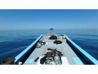 自社専用ボートは14名乗り。簡易トイレも完備し、海水を洗い流す「真水」も常時お使いいただけます。