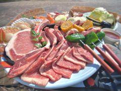 お肉野菜セット(カルビ、骨付きカルビ、ラム肉、イベリコ豚、リブロース、イカ、ホタテ)写真は3人前です☆