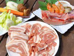 食材はこだわりをもって選びました。 その時期の旬な三浦野菜、神奈川県産豚肉、もちろん魚介類。 「味、価格、品質」にこだわった地産地消のBBQ食材です。