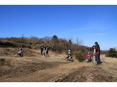 吉野の自然の中をバイクと一体になって走る!非日常が味わえる体験です。