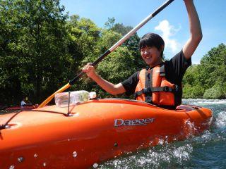 抑えきれない衝動と躍動感。裏磐梯レイクカヌーの決定版、小野川湖スプラッシュレイクカヌー。はじける笑顔が楽しさを保証♪