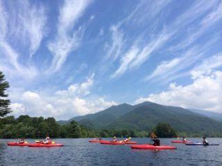 見渡す景色に人工物が一切なくなる裏磐梯唯一の小野川湖。裏磐梯随一の極上のフィールドへ漕ぎだそう♪桧原湖のように大型遊覧船の波にドキドキすることもないですよ。