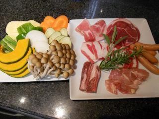 牛・豚・鳥・ラムの四種類のお肉が約350gとボリューム満点!!