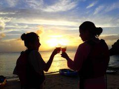 秘密のビーチで乾杯♪