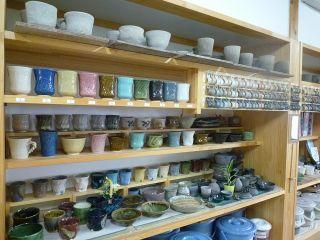 ★最初に陶器サンプルをみて、釉薬サンプルみてイメージつくりです♪