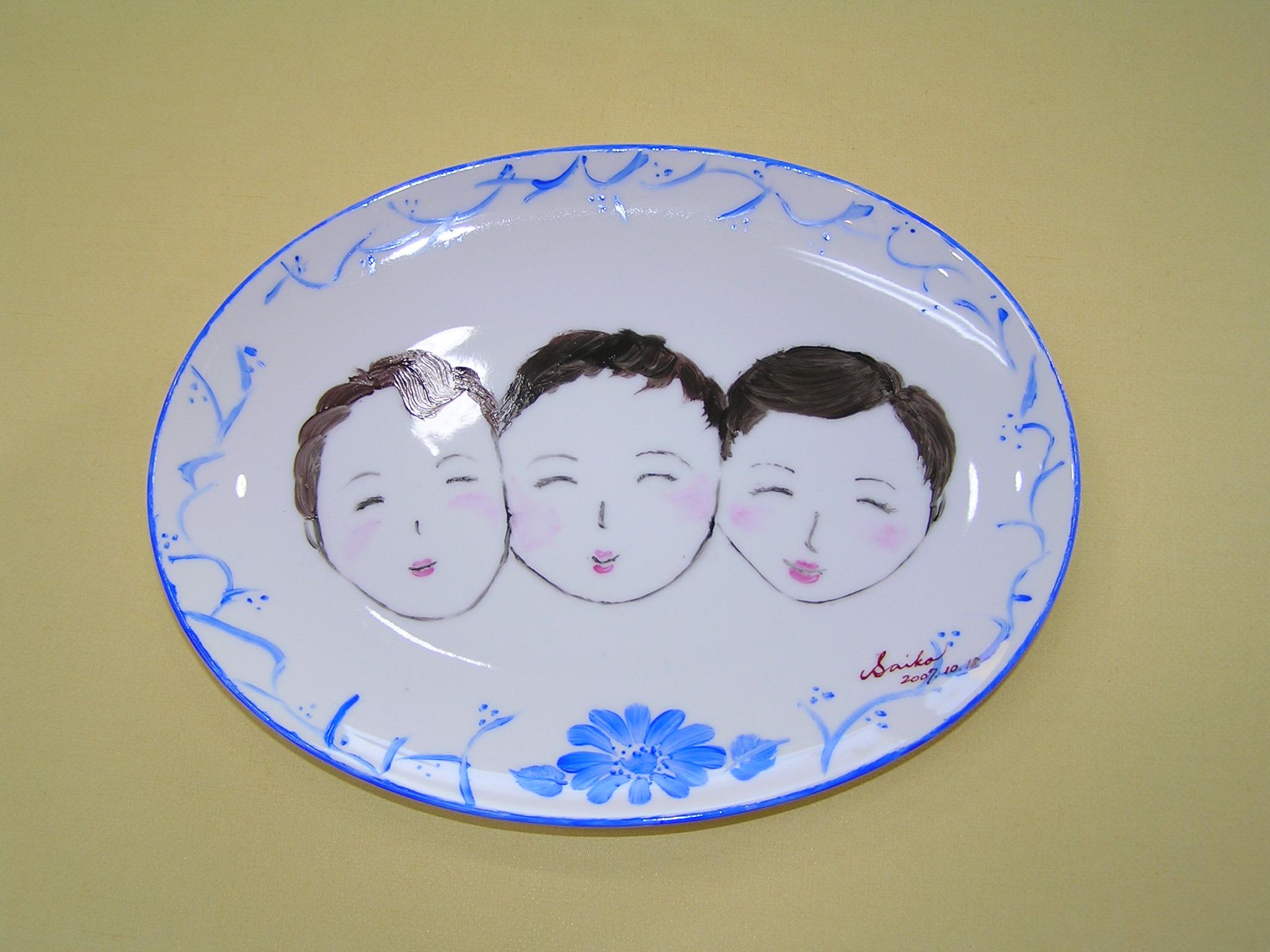 【絵付け体験】●ファミリー向け●お皿の絵付け体験 ご家族旅行の思い出に♪2時間