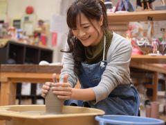 愛知県名古屋近郊・常滑市の陶芸教室で常滑焼陶芸体験!