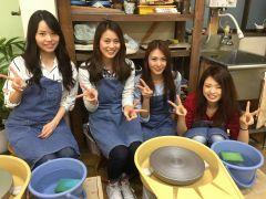 大人数での皆様にも楽しく陶芸体験を楽しんで頂けます!