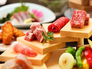 薩摩の三大黒肉をお肉のかいだんでご用意しました