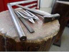 プロの使う道具をそのまま使う本格的なモノづくりです。