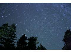 満天の星がきらめく夜