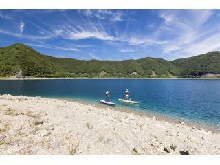 水が綺麗な本栖湖はサップに最適です。