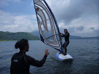風とひとつに!ウィンドサーフィンの醍醐味です。