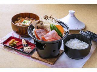 150年の歴史を持つ味噌蔵ガイドツアーと「三年味噌の豚汁と信州サーモンのタジン鍋」! 11:00~14:00のお好きなお時間にお越しください♪