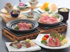 近江牛のすき焼き・陶板焼き・ローストビーフ・牛寿司をセットで楽しむ!      当店自慢の『特選・近江牛ランチ』です♪