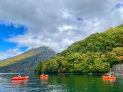 普段は見られない湖上から見る陸の紅葉はまた格別です!!