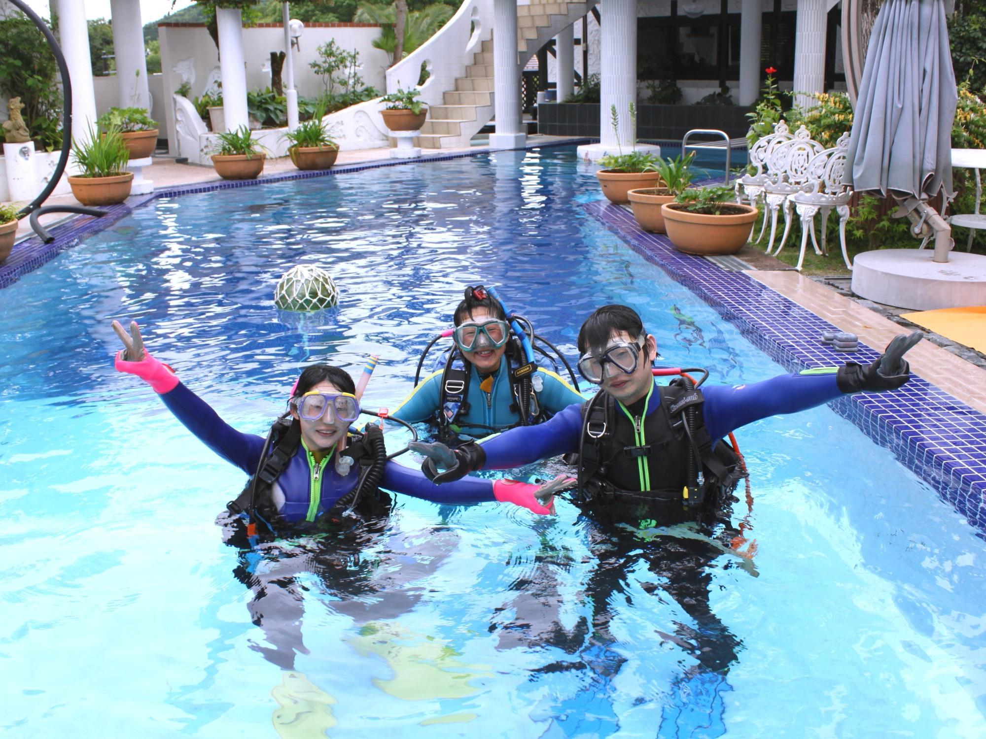 体験ダイビング(初心者向け)充実設備がポイント!施設プールで練習できるのは伊豆で...