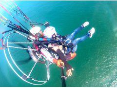 東北ではここだけの体験!海の上を飛行できる!