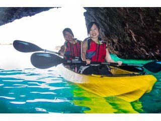 ついに登場! 底が透明なカヤック! 積丹ブルーを体感しよう!  北海道、いや日本を代表する神秘的な海といえばここ!  積丹ブルーで有名です♪