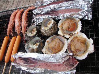 自慢の海鮮BBQ材料をご用意してます。