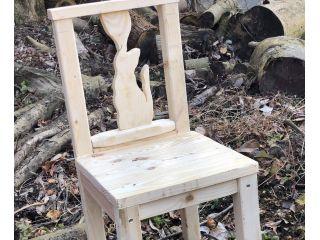 猫モチーフの背もたれ椅子
