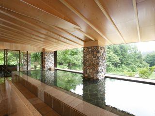 川の湯 「内湯」 ※天気により全ての窓がオープンとなり半露天として自然をご満喫いただけます