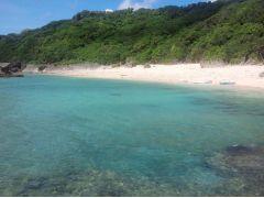 こちらが秘密のビーチの最寄のビーチ。沖縄本島では珍しくなった、天然のビーチです。場所はお申し込みいただいた方にだけご案内します。