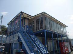 伊東ダイビングサービス2Fが受付場所です