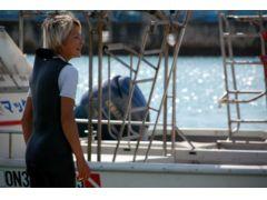 当店のインストラクターは、国内外の海を潜ってきたベテラン。高いスキルと経験をいかし、皆様をサポートします。