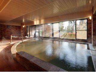 レンガ調の大浴場
