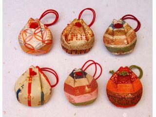 【京都・西陣織】におい袋手作り体験(金襴におい袋)<手作りにおい袋の専門店>
