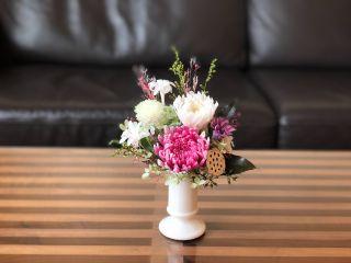 お花をプラスして豪華な仏花 一年に一度の機会にきっと喜ばれますよ~ 参考価格8250円(税抜き価格7500円)