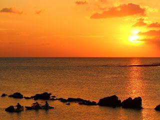綺麗に染まった夕日を眺めながら、のんびりリラックスタイム。