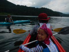 小さなお子様も子供用のカヤックで漕ぎ出しましょう