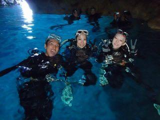青の洞窟体験ダイビング(水面)