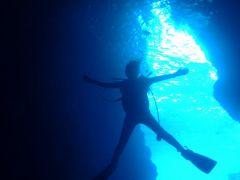 青の洞窟水中