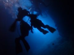 青の洞窟水中バック