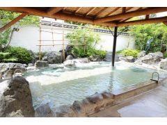 「美人の湯」と呼ばれる温泉で汗を流しましょう☆