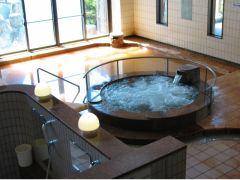 大浴場は 内湯・泡風呂・冷泉風呂(ほてりを冷ますのにご利用下さい)があります