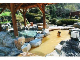自然豊かな露天風呂でリラックス☆