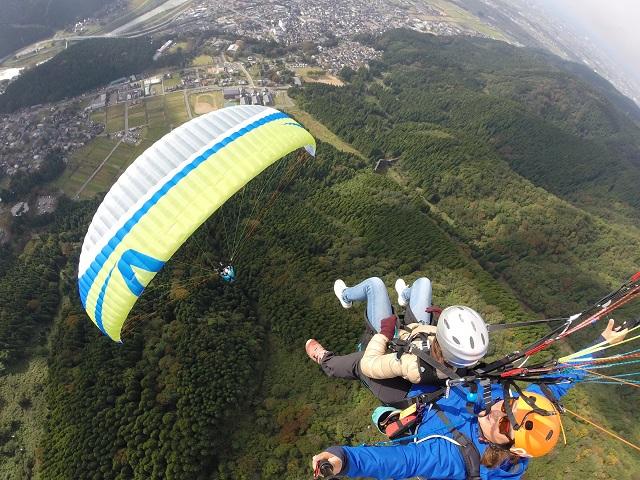 【人気コース】パラグライダー二人乗り体験コース 石川の絶景を空から体感しよう!