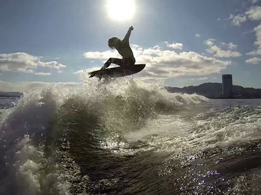 【滋賀・琵琶湖cover】ウェイクサーフィン体験プラン!