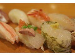 その日に富山湾で獲れた新鮮なネタを堪能いただけます♪