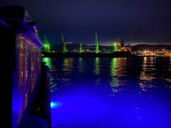 夜の小樽港はとってもロマンチック