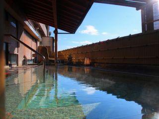 【芭蕉の湯 露天風呂】開放的な雰囲気が人気の露天風呂 13:00~18:00(男性用)