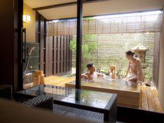【貸切風呂 金色夜叉】湯上りラウンジで湯浴み体験を満喫できるワンランク上の貸切風呂