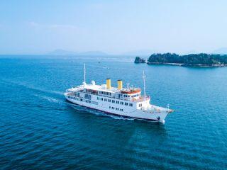 多島美と広島の町並みをお楽しみいただきながら優雅にお食事。