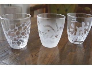 お客様が持込グラスでサンドブラスト体験をされた作品です。鬼滅の刃人気はサンドブラスト体験まで派生しています。