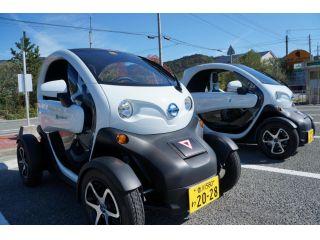 超小型電気自動車2人乗りです。