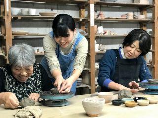 広々とした工房で、土に癒されるひととき過ごしませんか(^^)/ 東京・国立・「美」の精鋭が教えます!きめ細やかな指導が魅力